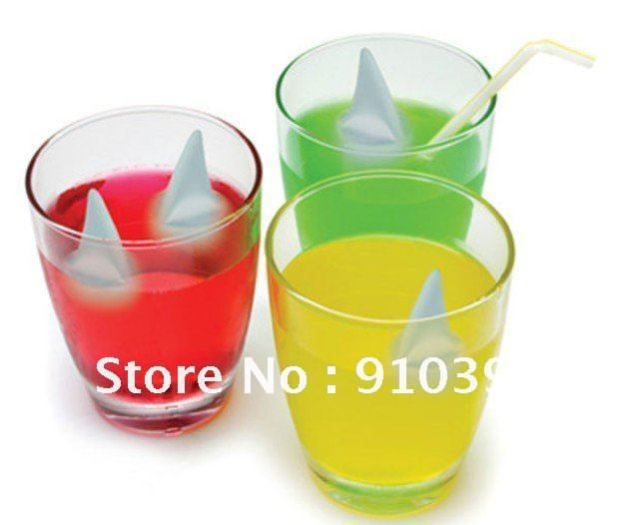 Free Shipping,DIY color shark fin ice cube mold,ice tray bar drinking for relieve summer heat,summer cool supply