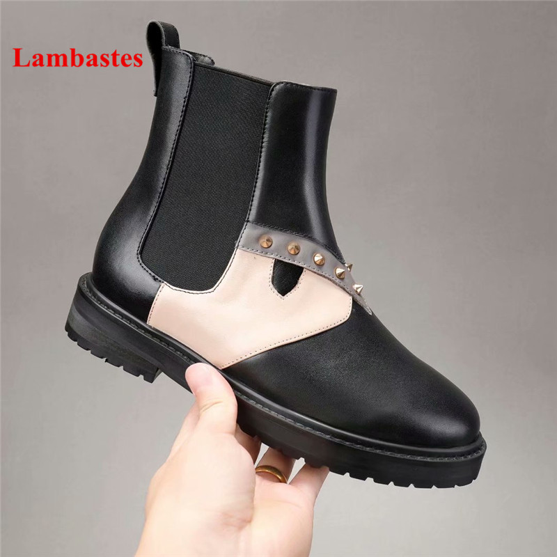 Black Ankle Boots Women 2018 New Round Toe Rivets Embellished Slip On Leather Women Chelsea Boots Low Heel Shoes Women Botas buckle straps embellished women pu leather flat heel shoes korean fashion new 2017 ladies slip on designer flats round toe
