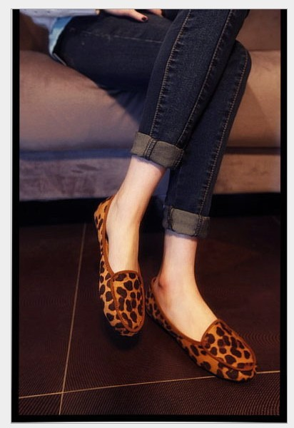 Big Promotion 2014 fashion leopard round toe flat shoes comfortable women's shoes Europe and America version of lady flats 8807 fashion tassels ornament leopard pattern flat shoes loafers shoes black leopard pair size 38