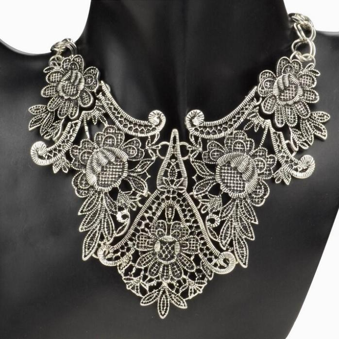 Vintage Tibet Silver Plated Flower Hollowed Statement Bib Chain Pendant Statement  Necklace for Woman Choker Necklace