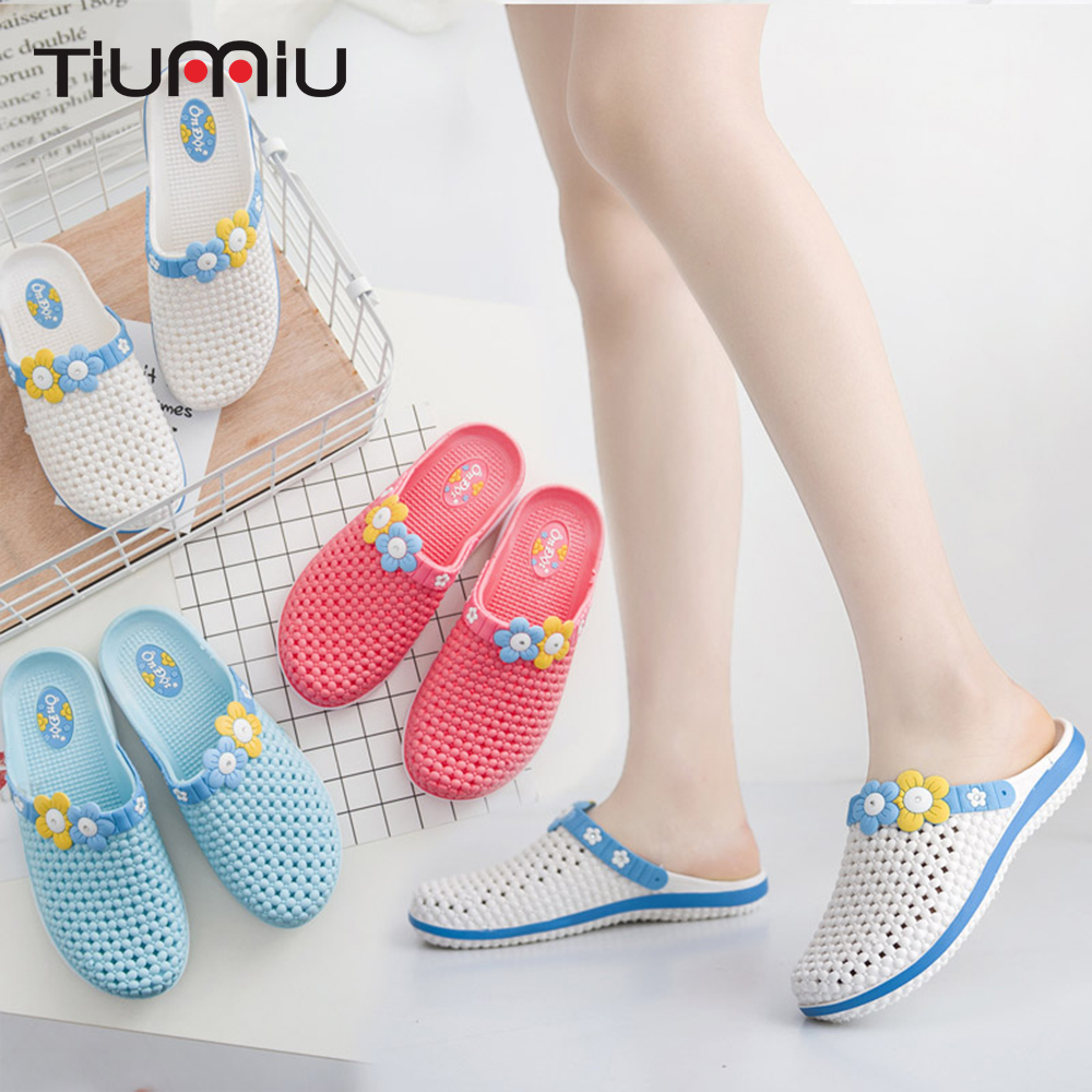 2019 Women's Summer Slippers Non-slip Clogs Soft Bottom Surgical Shoes Hospital Medical Nursing Work Hole Shoes Drop Shipping
