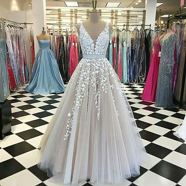 New Design Long Evening Dress 2019 V-Neck Sleeveless Floor Length Appliques Tulle Prom Dresses Vestido de festa
