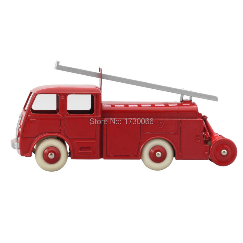 Купить с кэшбэком Fire enginDinky toys 32E Atals 1:43 Fourgon Incendie Premier Secours Berliet Alloy Diecast Car model & Toys Model for Collection