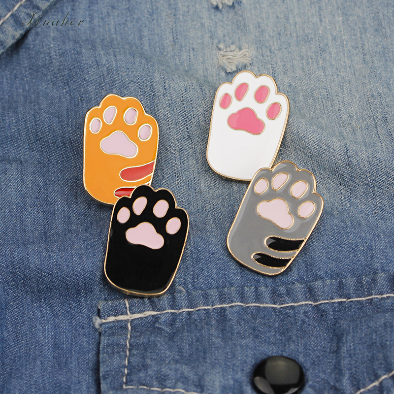 Badges 1 Pcs Cute Cartoon Fish Cat Metal Badge Brooch Button Pins Denim Jacket Pin Jewelry Decoration Badge For Clothes Lapel Pins Yet Not Vulgar