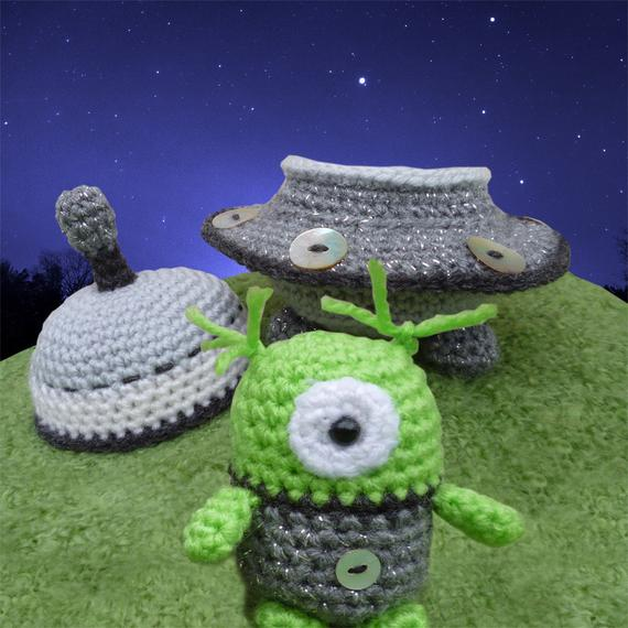 crochet toys flying  saucermodel number b0518crochet toys flying  saucermodel number b0518
