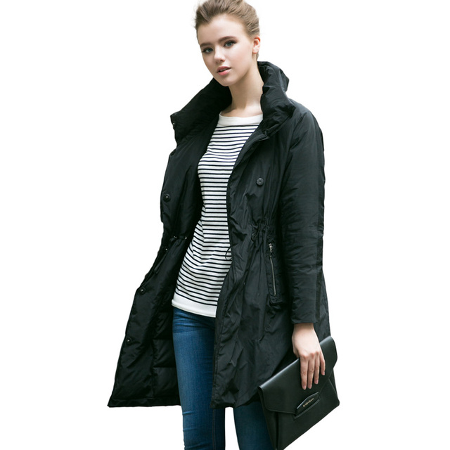 El nuevo negro de humo recogida de cintura hacia abajo mujer chaqueta larga delgada capaz contratado escudo Negro de trayecto