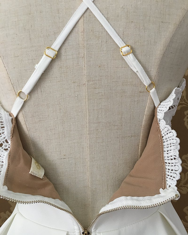 xiM&M@ch Black White Sexy Dress V-neck Cross Straps Backless Lace Patchwork Fit and Flare Dress Vestido branco A06DR010
