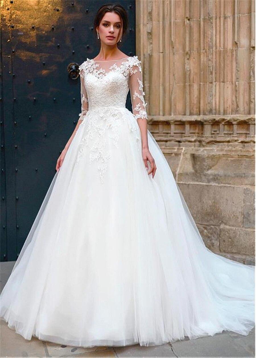 Attrayant Tulle Bateau décolleté a-ligne robe de mariée avec dentelle Appliques 3D fleurs demi manches robes de mariée