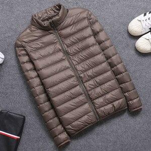 Image 4 - 2019 frühling/Herbst Männer Nehmen Jacken Mode Leichte, Tragbare Stehkragen Plus Größe 5XL Männliche Ente Unten Mäntel Freiheit verkauf