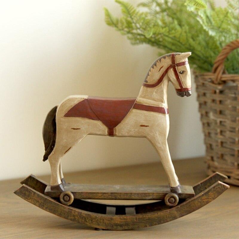 La décoration de haute qualité ameublement cadeau créatif cadeau américain pays rétro slave résine à bascule ornements de cheval