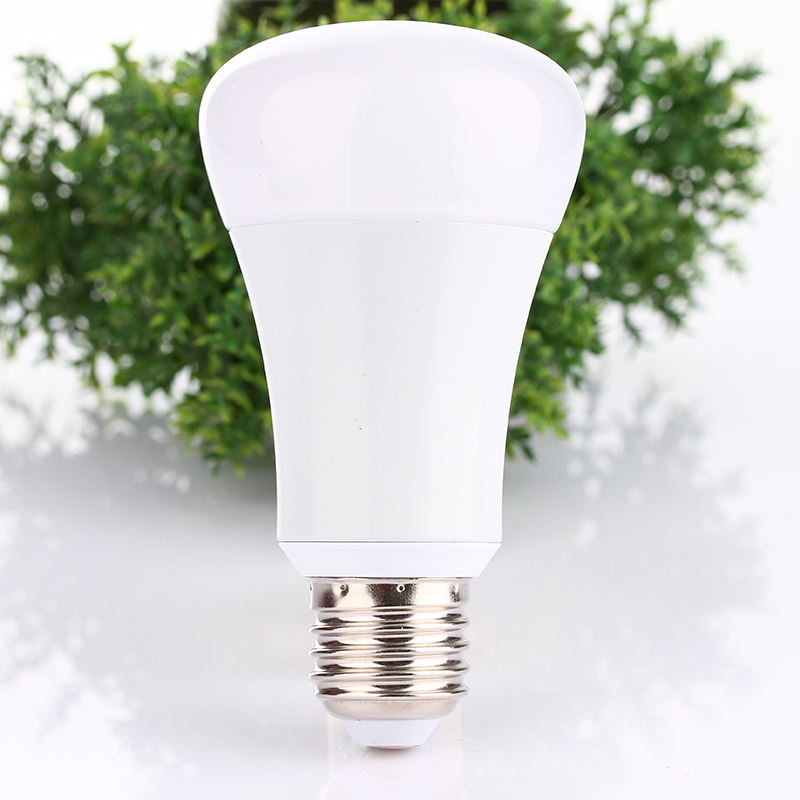 Bluetooth LED Bulb 6W E26 E27 RGBW Bluetooth 4.0 Smart LED Light Color Change Dimmable by smartphone IOS / Android APP change translated by howard goldblatt