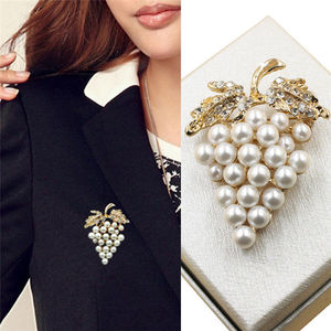 New Grapes Brooches Rose Pearl Brooch Crystal Rhinestone Flower For Wedding Bridal Dresses Clip Scarf Buckle Pins(China)
