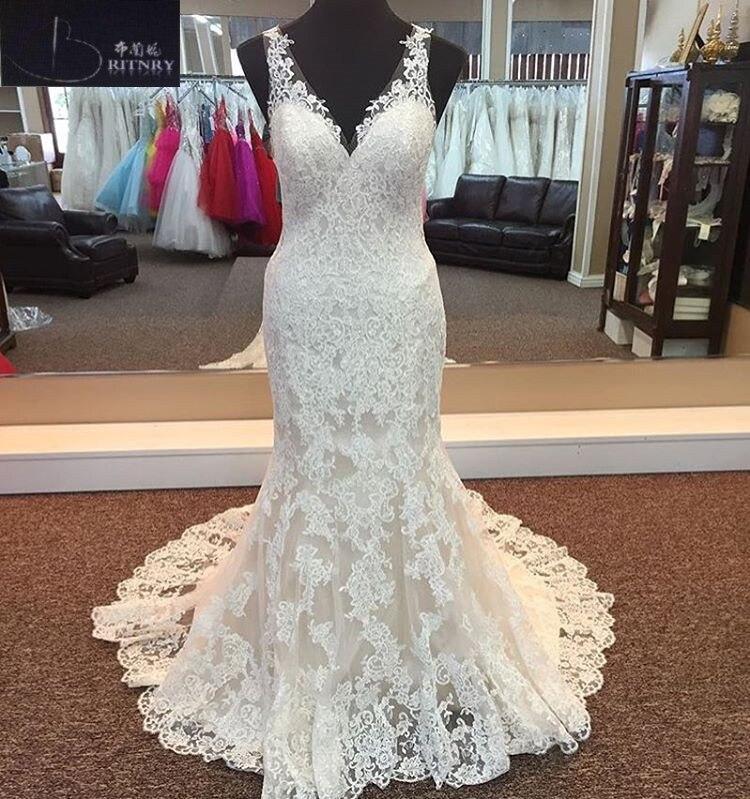 Charming Lace Mermaid Wedding Dresses Plus Size V Neck Appliques Sexy Bridal Dress