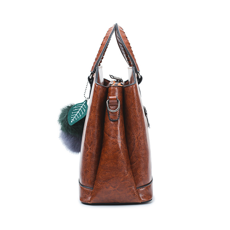 2019 Vintage Women Oil Wax Leather Handbags Shell Bag For Lady Shoulder Bags Metal Ring Handle bolsos mujer Female Messenger Bag in Top Handle Bags from Luggage Bags