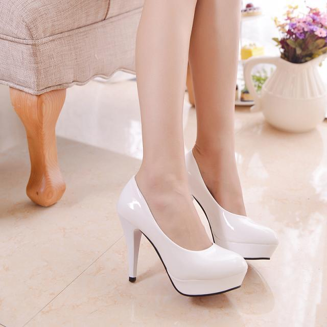 Nova moda Preto sapatos de Salto Alto Stilettos Plataforma Elegante Bombas sapatos Escritório Sapatos Mulher Branca, vermelho, preto, bege