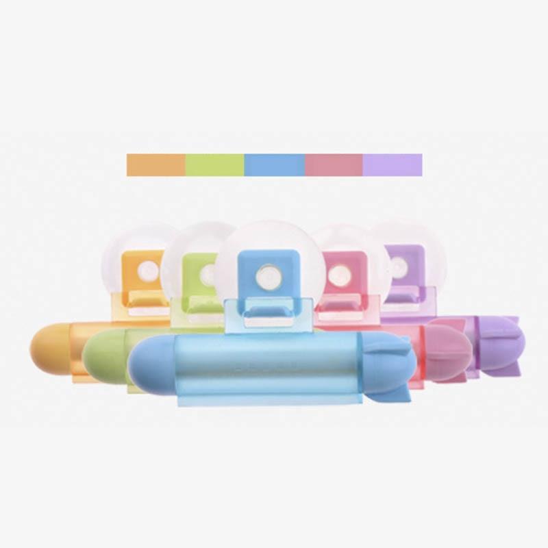 Creative Toothpaste Random Color Vacuum Sucker Hook Dispenser Squeeze Tube Toothpaste Dispenser Facial Cleanser Squeezer Clip