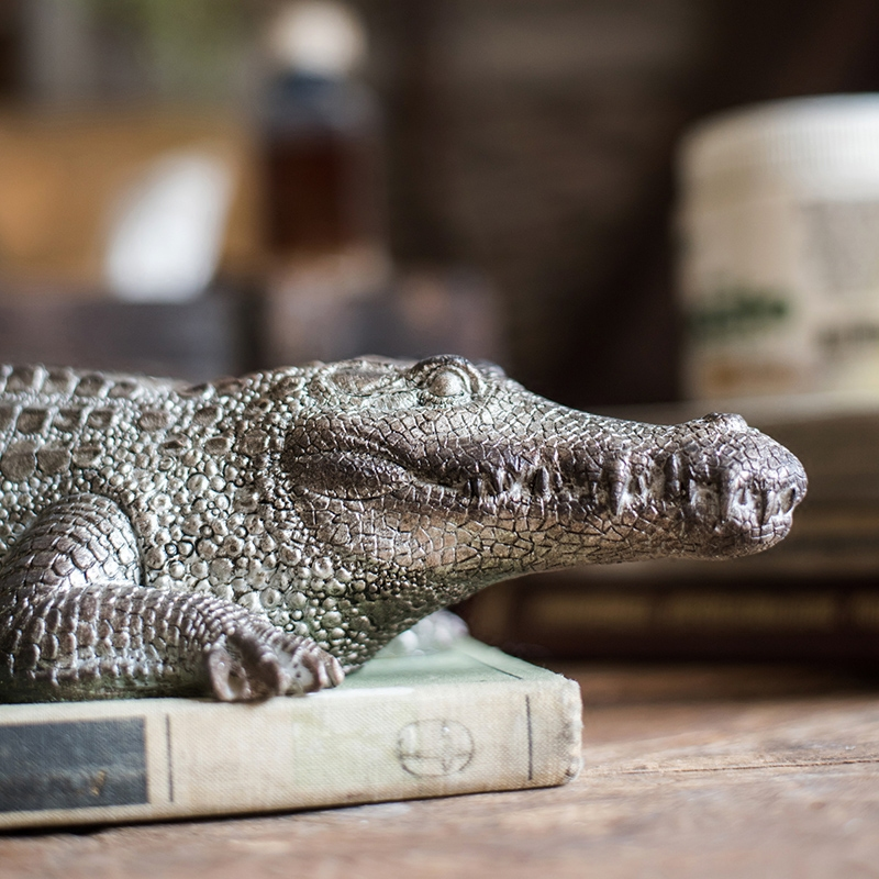 Ferocious Crawling Crocodile Head Statue Sculpture Resin Ornaments Home Living Room Or Bedroom Decoration Accessories GiftFerocious Crawling Crocodile Head Statue Sculpture Resin Ornaments Home Living Room Or Bedroom Decoration Accessories Gift