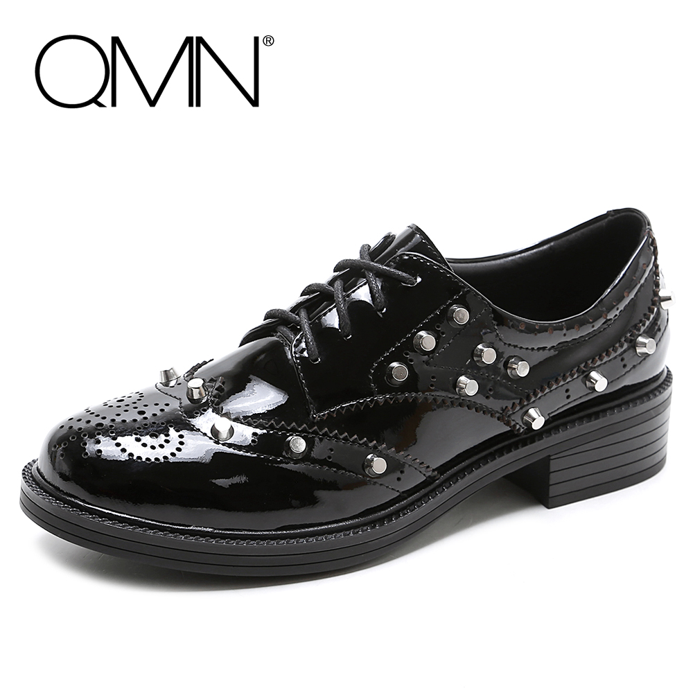 QMN women genuine leather flats Women Patent Leather Oxfords Retro Round Toe Brogue Shoes Woman Rivets Flats 34-43 qmn women crystal embellished natural suede brogue shoes women square toe platform oxfords shoes woman genuine leather flats