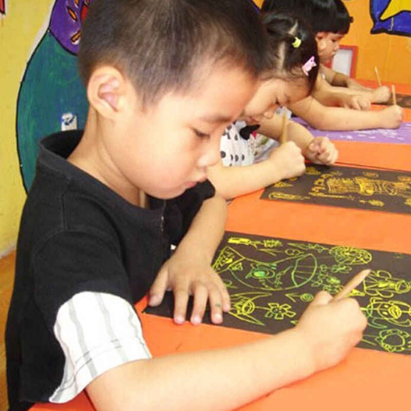 NUOVO Size18x25cm raschiatura carta da disegno pittura giocattoli educativi di apprendimento Ambientale Magia Scratch Art Carta per pittura 10 PCS