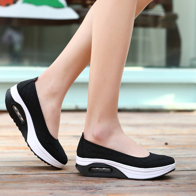 2017 HOT SALE Spring Summer New Breathable SPORT Shoes Shallow Mouth Shock Wave Shake Shoes Hit Color Light Mother Shoes