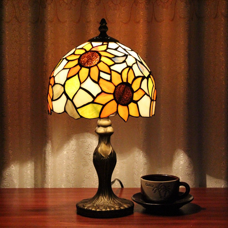 Stained Glass American Pastoral Sun flower Creative Retro Art Ornament lighting bedroom Bedside decorative desk lamp 110-240VE27 originality stained glass garden flower desk lamp american pastoral countryside hotel barbedside led lamp 110 240v dia 20cm