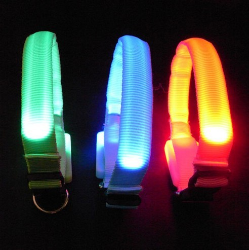 2pcs/lot Brand new Nylon Flashing Dog Collar Pets Collar Flashing LED Light For Visability Flashing Light Collars