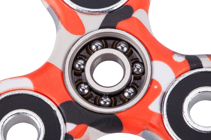 camouflage hand spinner detail red