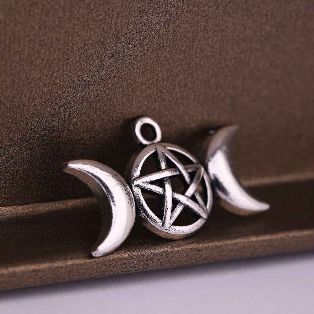 10pcs Silver tone Triple Moon charms Pendants,Moon Goddess Pendants 30x17mm