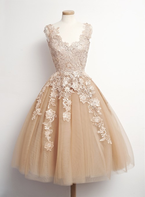 Distinctive-A-Line-V-Neck-Tulle-Champagne-Short-Lace-Appliques-Cocktail-Dress-Homecoming-Party-Dress-