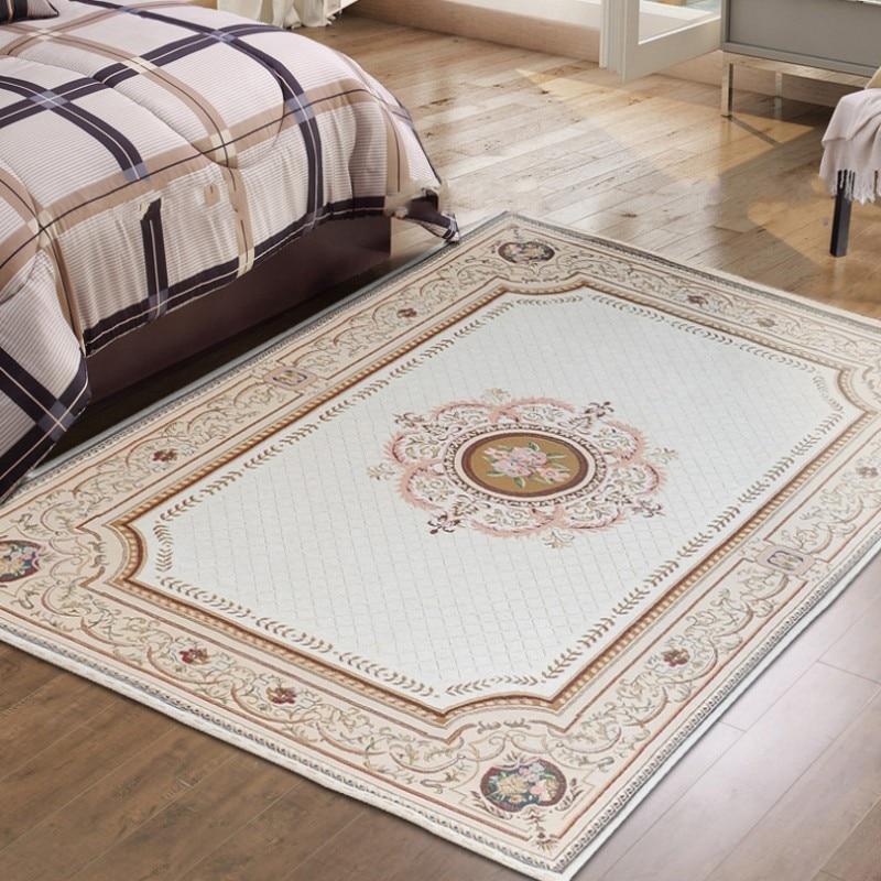 Velkoformátový retro tradiční perský koberec, béžový klasický vintage noční stolek, dekorace kancelářské podlahové rohože
