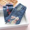 2017 весной новый детская одежда девушки джинсы брюки кролик вышивка детские брюки повседневные брюки