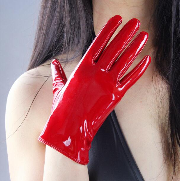 Women'a Fashion Shiny Leather Short Style Driving Glove Lady's Patent Pu Leather Sexy Performace Cosplay Glove 21cm R610