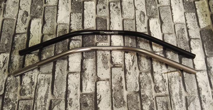 1 pcs 735 Da Motocicleta guiador 22*730mm de Alumínio lidar com acessórios da motocicleta Do Vintage Preto e prata opcional