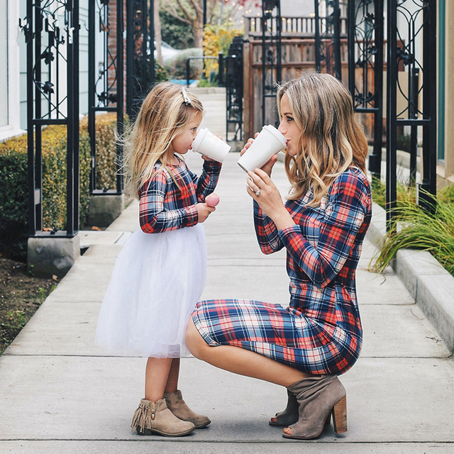 d7eb73d8aab Family Matching Outfits Clothing Fashion Round Neck Color Plaid Mother  Women Children Wear Dresses Parent-