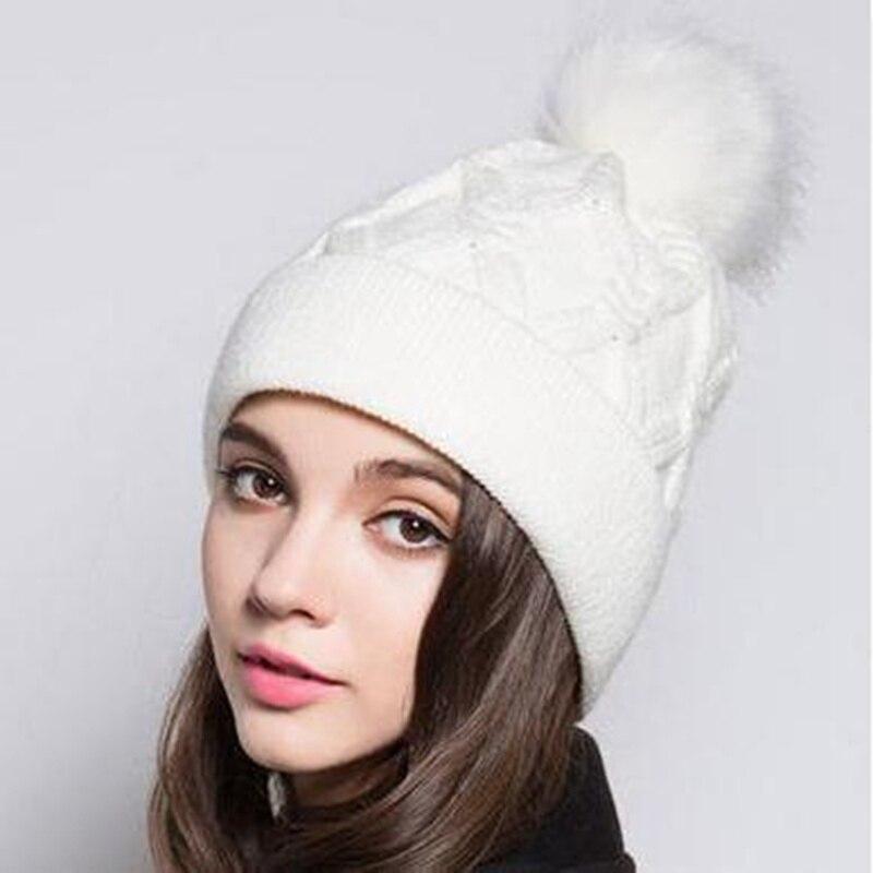 2016 Femmes Tricoté Chapeau De Fourrure Dames Chapeau Dhiver de Velours Noir Blanc rouge
