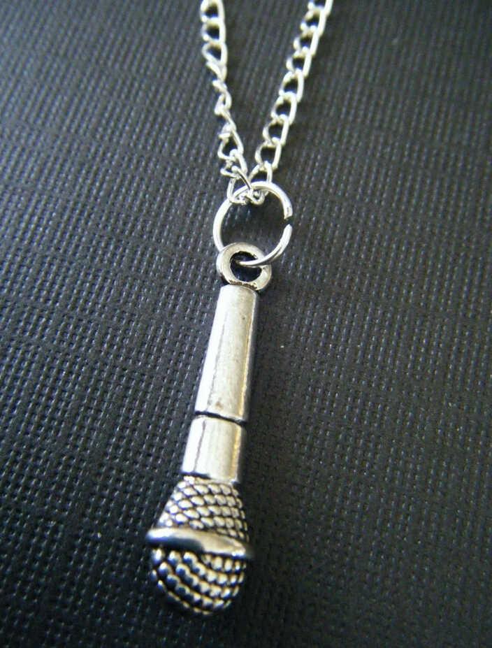 Colgante Retro Mic Micrófono De Aleación De Plata Colgante Collar tipo Gargantilla de Cuero Negro