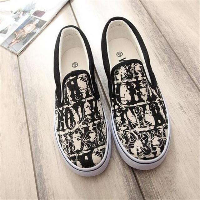 Mocassins mulheres de graffiti calçado feminino mão-pintado sapatas de lona macio slip on flats chaussure femme meninas sapatos casuais XK072117