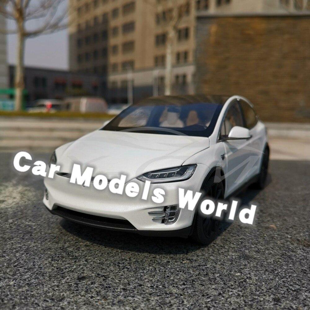 Diecast Auto Modell für Modell X (Weiß) 1:18 + KLEINE GESCHENK!!!!!!!!-in Diecasts & Spielzeug Fahrzeuge aus Spielzeug und Hobbys bei  Gruppe 1