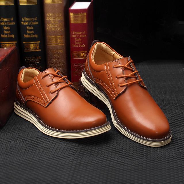 2016 Outono e Inverno Sapatos Novos Homens do Estilo dos homens Britânicos Sapatos de Couro de negócios De Lazer Cabeça Redonda Não-deslizamento Rendas Até Os Homens sapatos