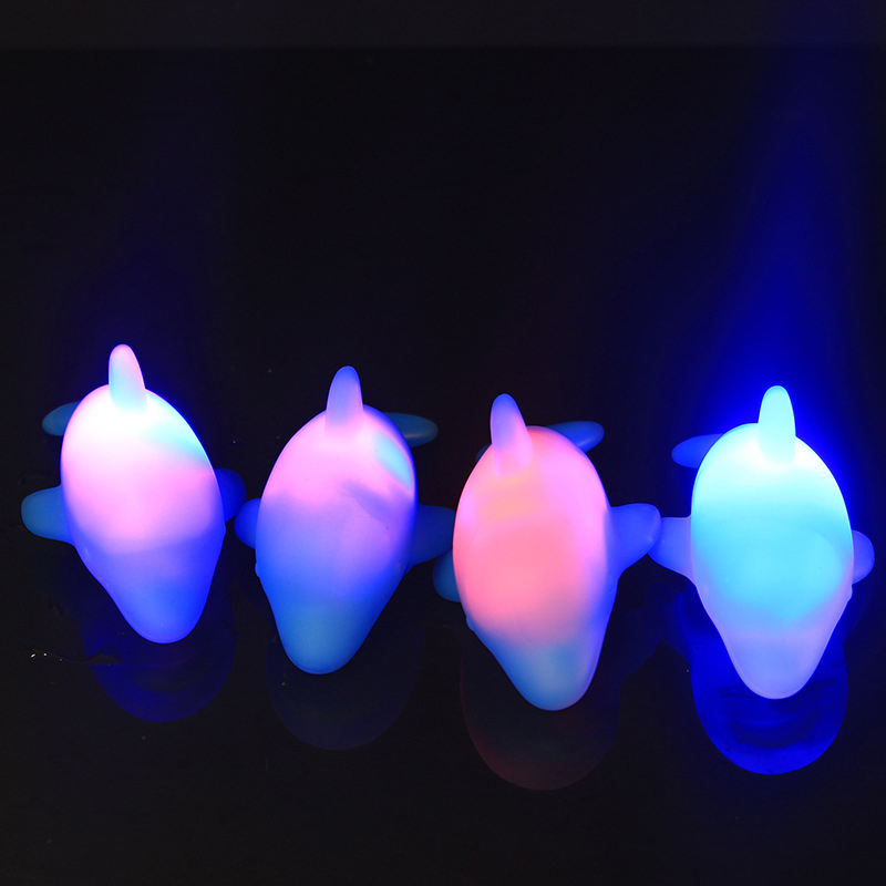 1pc Baby Water Flashing Floating Dolphins Automatic Led Lighting up Beach Play Toys