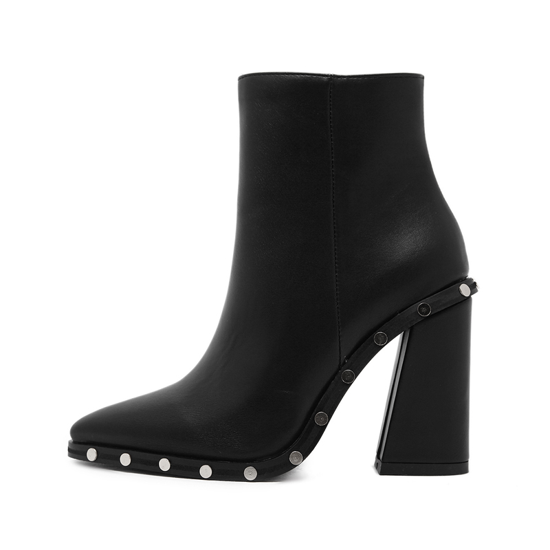 Europe style women's boots shoes <font><b>on</b></font> <font><b>the</b></font> <font><b>streets</b></font> van rivet tip 7 <font><b>word</b></font> thick high-heeled boots black female boots free shipping
