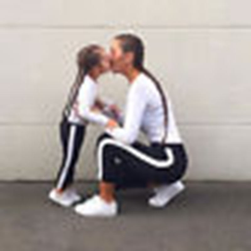 2018 Mother Daughter Family Leggings Mom Kids Girls Striped loose Casual Long Pants Trousers Sweatpants girls slant pocket detail striped pants with belt