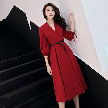 Czerwone wesele kobiety sukienka luksusowy chiński styl elegancki bankiet Qipao orientalne kobiece Slim Prom suknie Cheongsam Vestido XS-3XL tanie i dobre opinie Poliester Dopasowanie i pochodni Stałe Trzy czwarte NONE Kolan Latarnia rękaw Naturalne Stójka Wiosna QIANTANG Black Red Dark Red White