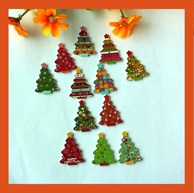 2016 new wood sewing scrapbooking button christmas tree 2 holes christmas buttons 20pcs 2535mm - Christmas Buttons