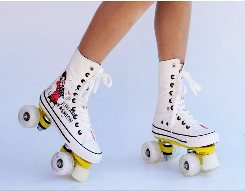 High quality!Roller Skates Canvas Shoes With Flash Wheels Double Line Skates Adult 4 Wheels Two line Roller Skating Shoes PatineHigh quality!Roller Skates Canvas Shoes With Flash Wheels Double Line Skates Adult 4 Wheels Two line Roller Skating Shoes Patine