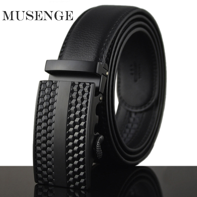 Mens Bälten Luxury Brand Designe Belt Designer Bälten Män Hög kvalitet Svart Geometrisk Spänne Automatisk Fashion Dot Brown Riemen