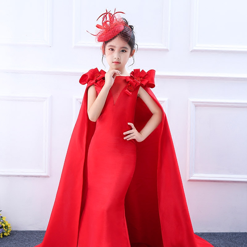 2018 New Fashion Red Gown Dress Princess Long Tailling Dress Royal Sheath Girls Hold Communion Dress