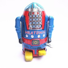 [Funny] Classic collection Retro Clockwork Wind up Metal Walking Tin robot Mechanical toy kids christmas gift