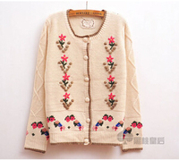 New Sale 2014 Autumn Women Clothes Embroidered Flowers Sweaters Pattern Cardigans Vintage Button Pocket Blouse Wool