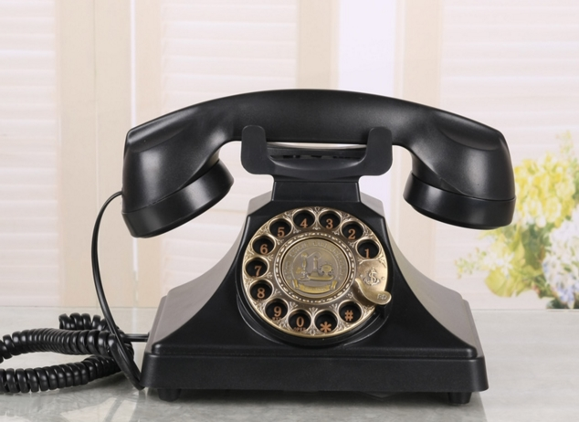 Old fashioned antique telephone fashion personality vintage antique telephone home phone